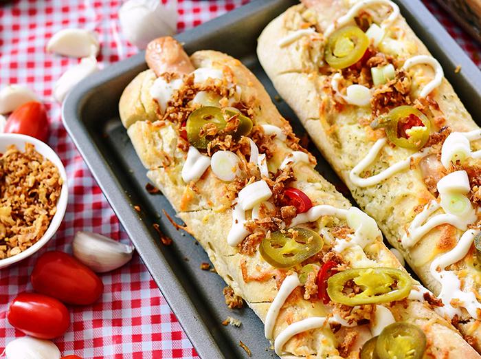 czosndogi-hot-dogi-w-bulce-czosnkowej