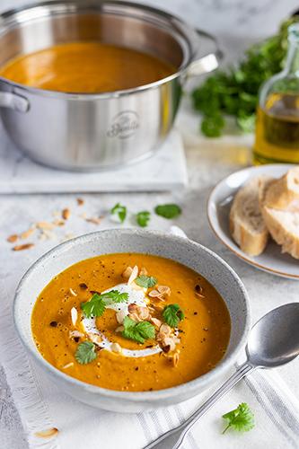 zupa-marchewkowa-z-czerwona-soczewica