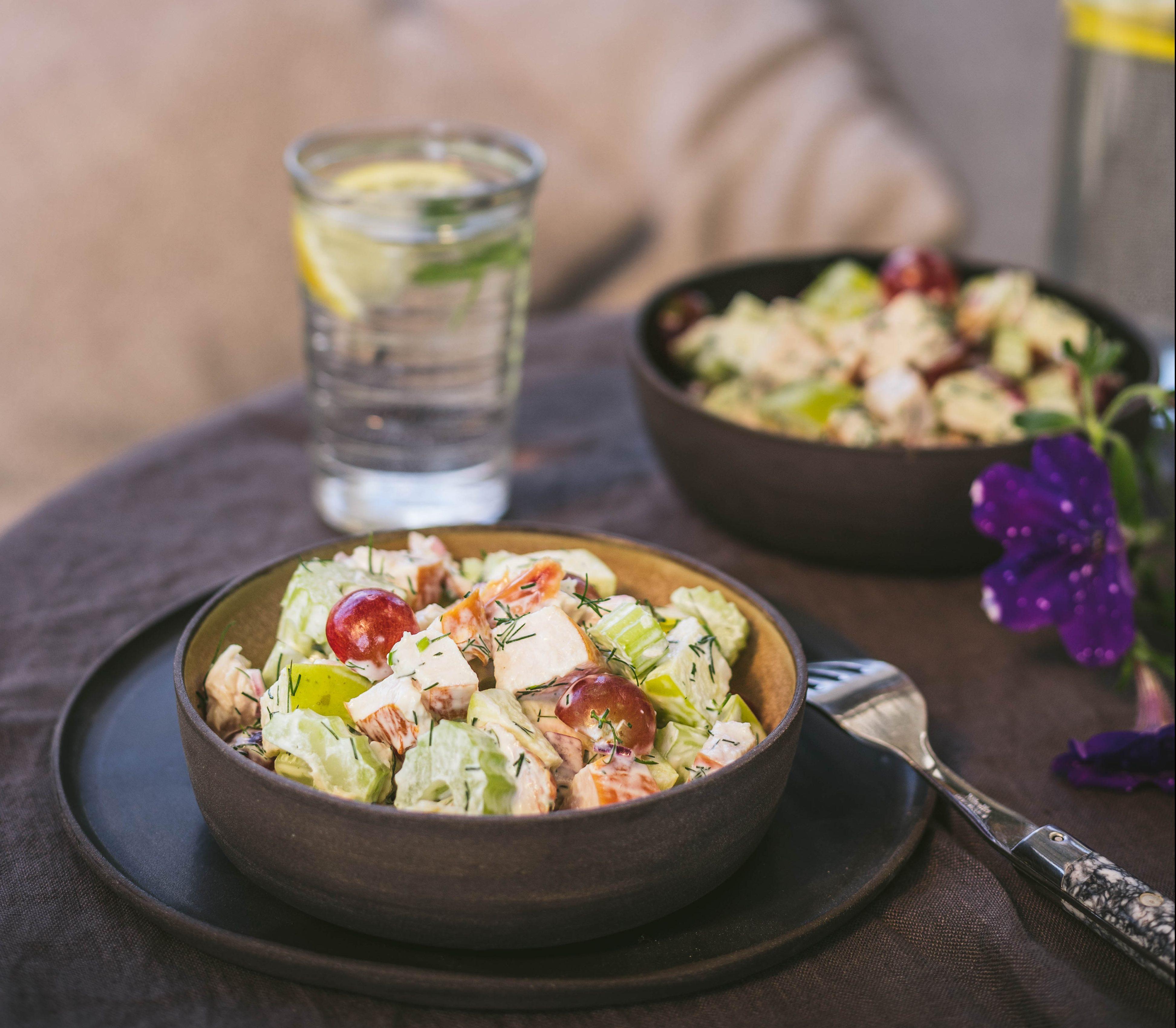 salatka-z-wedzonym-kurczakiem